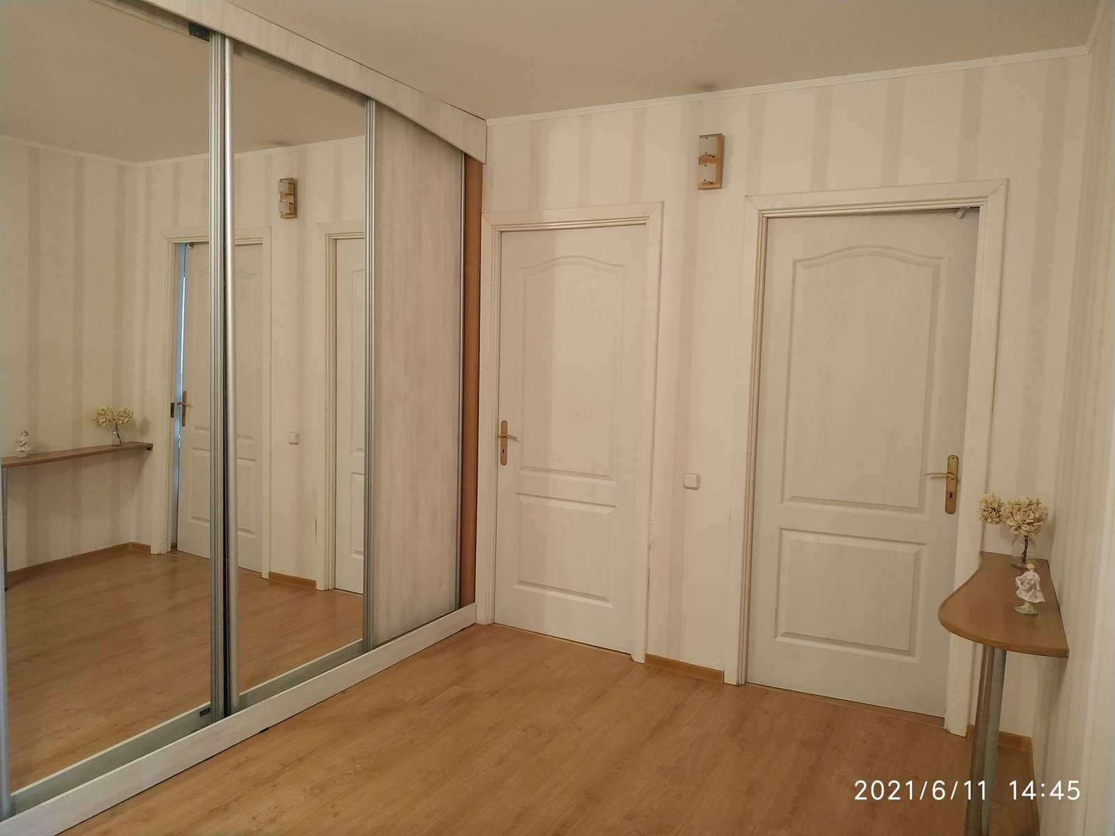 Продажа 3-комнатной квартиры, Самара, Осипенко улица,  дом 144
